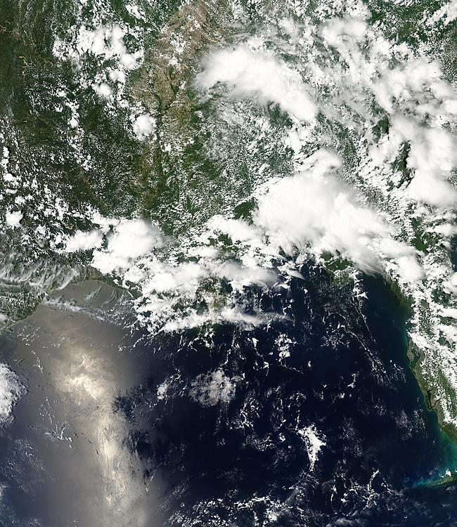 MODIS - Gulf of Mexico - May 30, 2010 - oil spill from Deepwater Horizon BP - (NOAA / NASA) - May 30, 2010